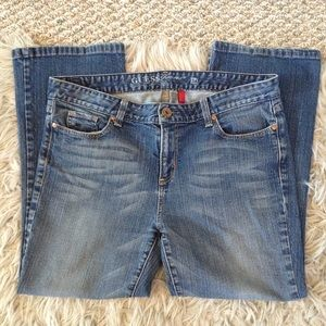 ❤️3/15  Guess Carla Bootcut Stretch Jeans Size 34